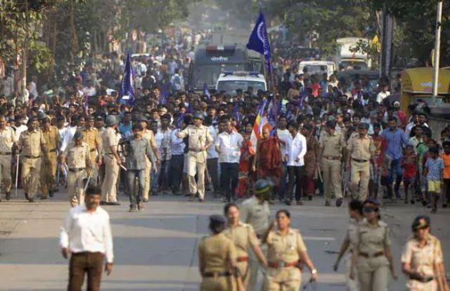 मोदी सरकार ने भीमा कोरेगांव हिंसा की जांच NIA को सौंपी, महाराष्ट्र सरकार ने जताई नाराजगी