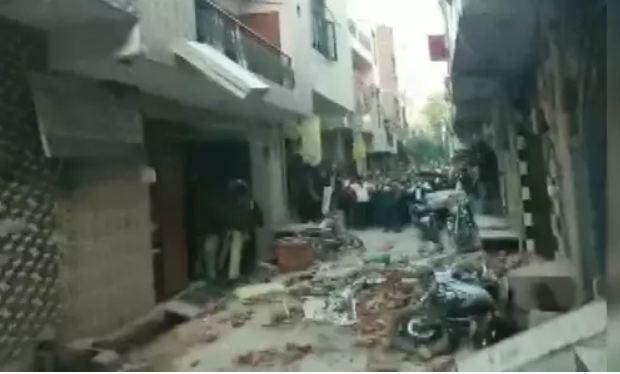 दिल्ली: कोचिंग सेंटर की छत गिरी, 5 छात्रों की मौत, कई घायल