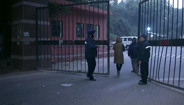 JNU में हुई हिंसा के बाद डरे छात्र, कैंपस छोड़कर जा रहे बाहर