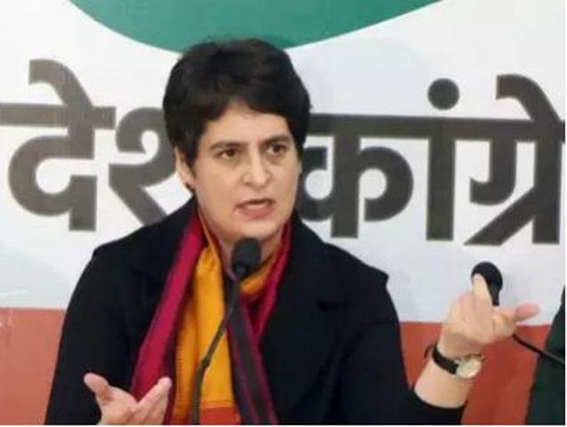 प्रियंका गांधी ने योगी सरकार पर बोला हमला, पूछा-बेटी बचाओ या अपराधी बचाओ?