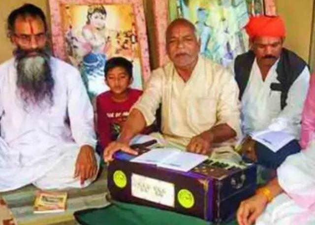 BHU में संस्कृत विवाद से चर्चा में आए फिरोज खान के पिता को मिला पद्म श्री