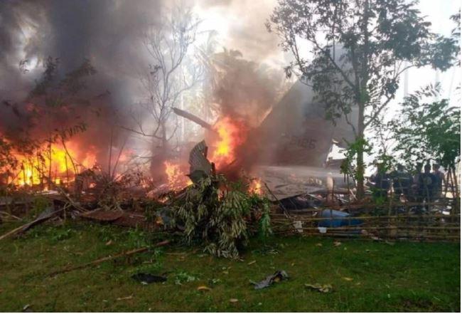 फिलीपींस एयरफोर्स का एक सी-130 विमान बड़े हादसे का शिकार,17 लोगों की मौत