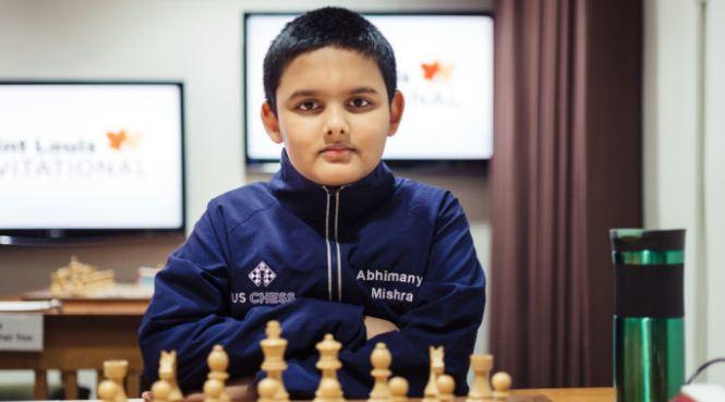 12 साल की उम्र में शतरंज के 'बादशाह' बने अभिमन्यु मिश्रा, 19 साल पुराने युवा ग्रैंडमास्टर का रिकॉर्ड तोड़ा