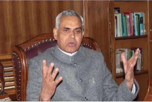 National Doctor's Day : गुजरात के राज्यपाल का विवादित बयान, कहा- डॉक्टर चुराते हैं दवा और इंजेक्शन