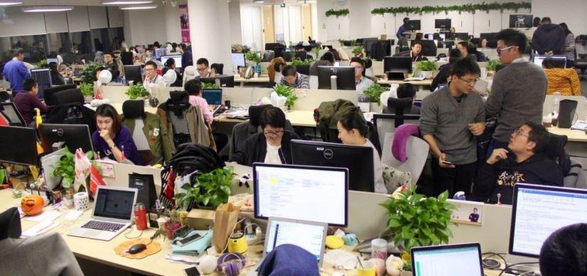 चीन: युवा घर जल्दी जाकर बच्चे पैदा कर सके, चीनी कंपनियों ने खत्म किया Over Time