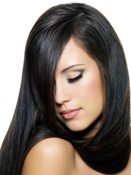 अगर चमकदार बाल चाहते हैं तो आपके बालो के लिए अंडा एक जादुई सामग्री है