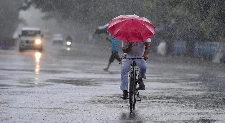 राजस्थान: कई इलाकों में भारी बारिश, गुलाबी शहर में सुबह से ही बादल छाए हुए