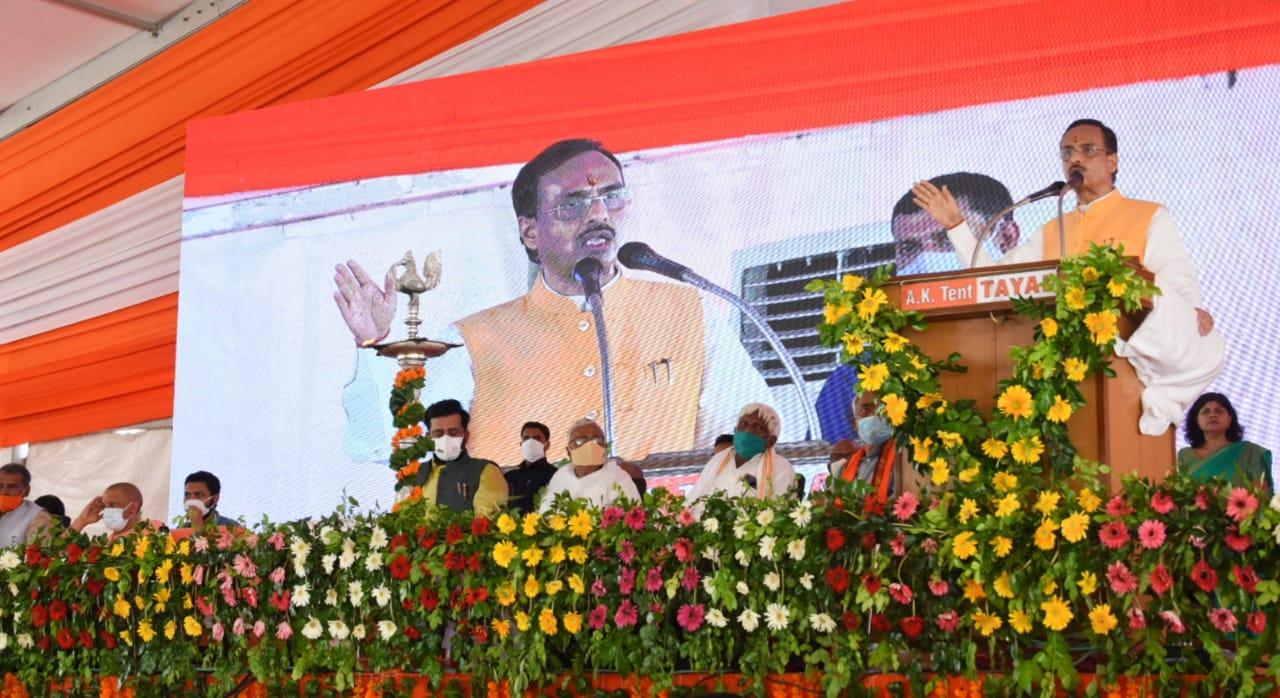 अब यूपी में केवल मोदी और योगी के विकासवाद का युग : डॉ. दिनेश शर्मा