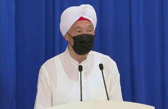 """सिंगापुर के पीएम ली सीन लूंग ने 'सफेद पगड़ी' पहन किया गुरुद्वारे का उद्घाटन, किया """"सत श्री अकाल"""" से अभिनंदन"""