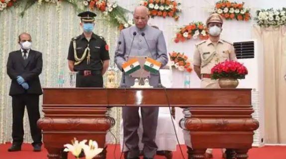 झारखंड के दसवें राज्यपाल के रूप में रमेश बैस ने पद एवं गोपनीयता की शपथ ली