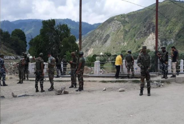 Terrorist attack in Baramulla : ग्रेनेड हमले में सुरक्षाबलों के चार जवान और एक नागरिक घायल