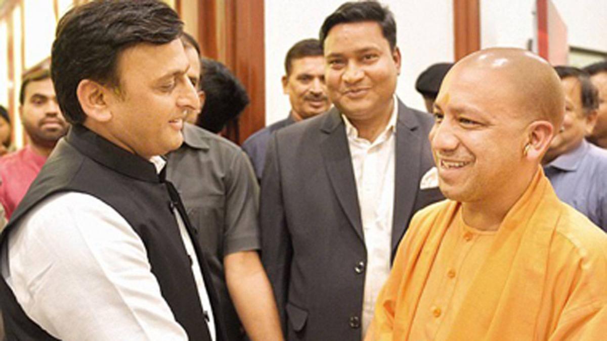 मुख्यमंत्री योगी आदित्यनाथ ने ट्वीट कर अखिलेश यादव को दी जन्मदिन की बधाई