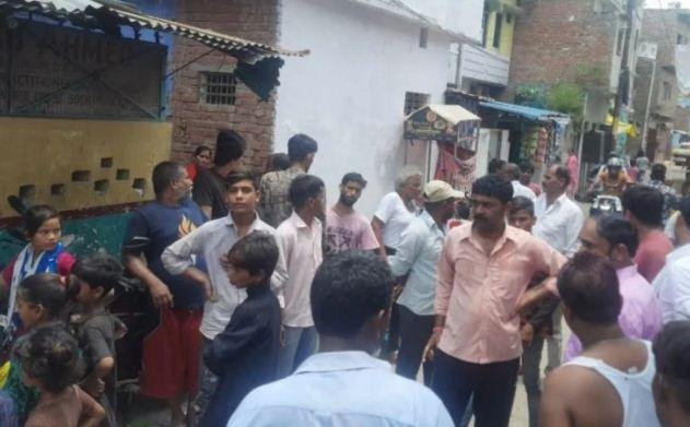 अलकायदा के आतंकियों का साथी शकील एटीएस की हिरासत में, विरोध में स्थानीय लोगों ने मीडिया कर्मियों पर बोला हमला