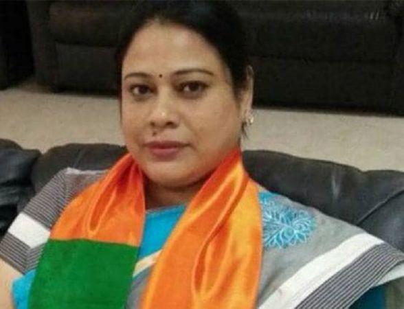 मोदी कैबिनेट से मंत्री देबश्री चौधरी हुआ पत्ता साफ, इस्तीफा देने को कहा गया