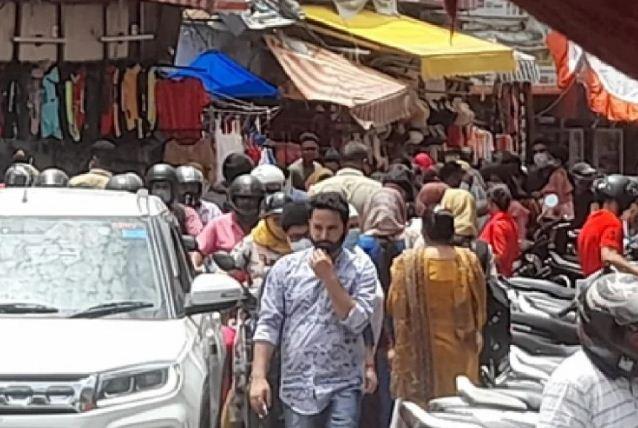 कोविड गाइडलाइंस के उल्लंघन पर बंद की गई दिल्ली की प्रसिद्ध जनपथ मार्केट