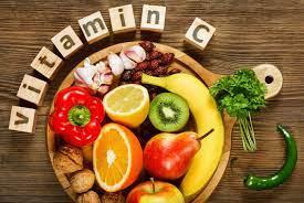 जानिए विटामिन सी आपकी स्किनकेयर में कैसे करता है मदद