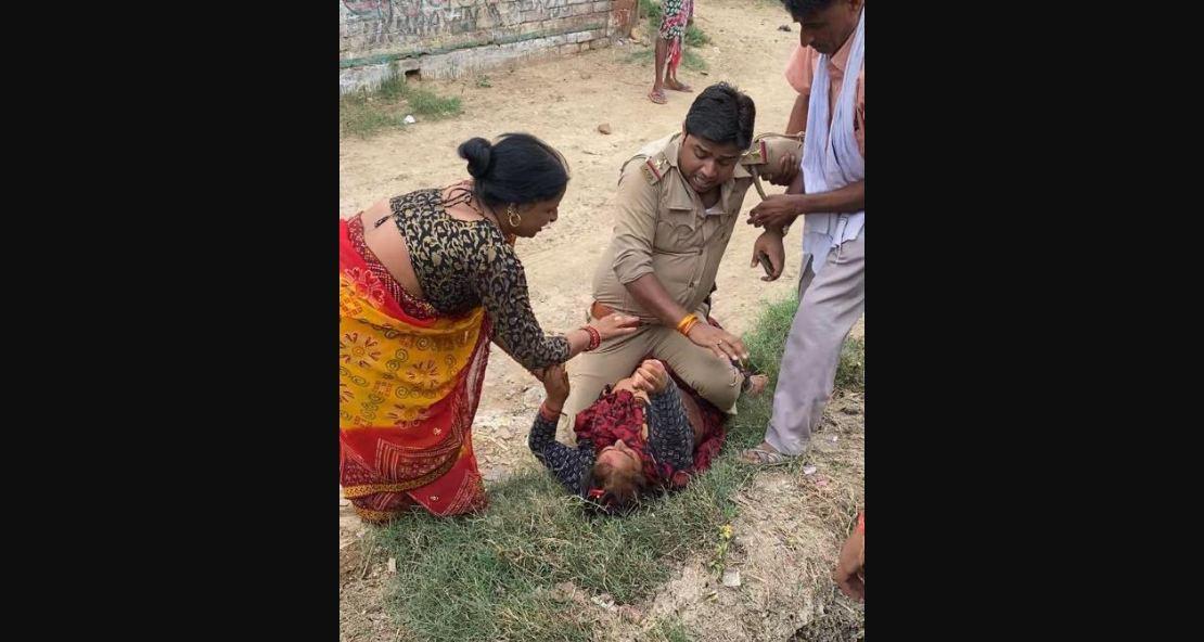 यूपी पुलिस का शर्मनाक चेहरा: महिला की छाती पर चढ़कर बैठे दरोगा साहब, सारी सीमाएं की तार- तार