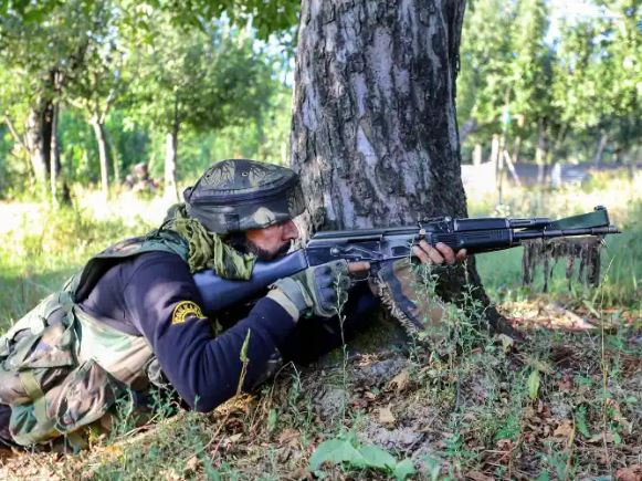 जम्मू कश्मीर:श्रीनगर में सुरक्षाबलों को बड़ी कामयाबी, मुठभेड़ में लश्कर के 2 आतंकी ढेर