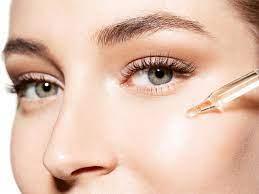 आइये जानते है क्या फेशियल ऑयल तैलीय त्वचा के लिए फायदेमंद होते हैं