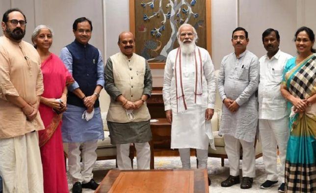 कर्नाटक के नए सीएम बसवराज बोम्मई ने की पीएम मोदी से मुलाकात, जानिए क्या हुई बातचीत