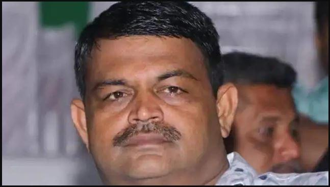 जुआ खेल रहे भाजपा विधायक को पुलिस ने किया गिरफ्तार