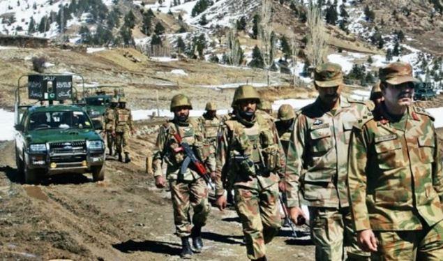 पाकिस्तानी सेना पर बड़ा हमला, कैप्टन समेत 11 जवानों की मौत