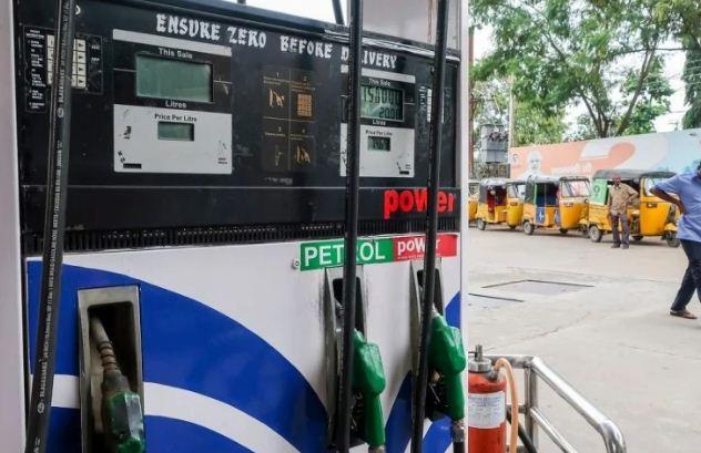 Petrol Diesel Price in UP: लखनऊ में भी 100 रुपये प्रति लीटर के करीब पहुंची पेट्रोल की कीमत