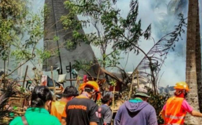 फिलीपींस सैन्य विमान दुर्घटना में 29 की मौत, 17 लापता लोगों की तलाश अभी भी जारी