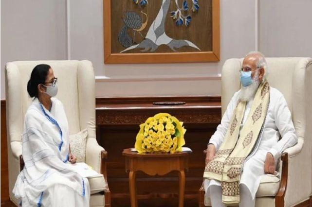 PM Modi and Mamata Banerjee meeting: पीएम मोदी और ममता बनर्जी के बीच मुलाकात में जानिए क्या-क्या हुई बातें?