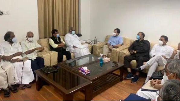 पेगासस और कृषि कानून के मुद्दे पर नहीं करना है समझौता, विपक्षी दलों के नेताओं की बैठक में बोले राहुल गांधी