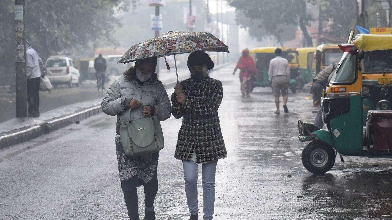 Weather Update: मौसम विभाग ने जारी किया ऑरेंज अलर्ट, रविवार को हो सकती झमाझम बारिश
