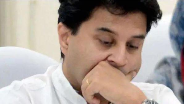 केंद्रीय मंत्री बनते ही हैक हो गया सिंधिया का फेसबुक अकाउंट, टाइमलाइन पर चलने लगा कांग्रेस की तारीफ वाला वीडियो