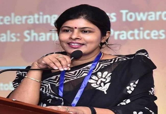 Swati Singh Jeevan Parichay: स्वाती सिंह के हाउसवाइफ से लेकर मंत्री तक का सफर, जानिए कैसे हुआ तय