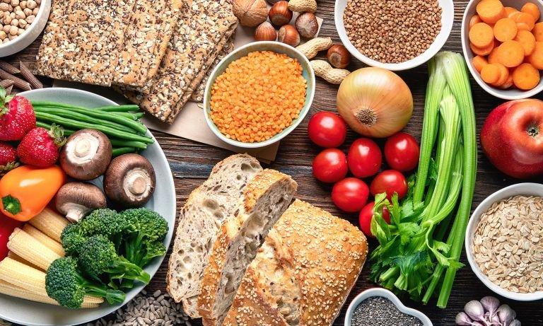 वजन घटाने, रोग प्रतिरोधक क्षमता घटाने और सेहत के लिए साफ खाना शुरू करने के एक्सपर्ट टिप्स