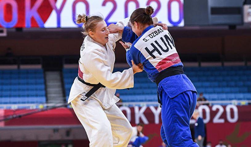 Tokyo Olympics: मुकाबले से पहले कोच ने मारे महिला खिलाड़ी को थप्पड़, जानें क्यों किया ऐसा