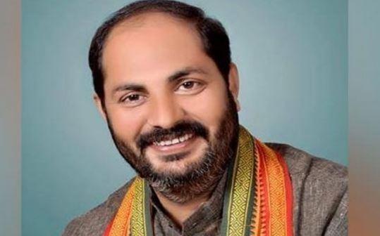Upendra Tiwari Jeevan Parichay: इलाहाबाद में राजनैतिक बंदी रहे उपेंद्र अपनी मेहनत के बल पर हैं वर्तमान राज्य सरकार में मंत्री