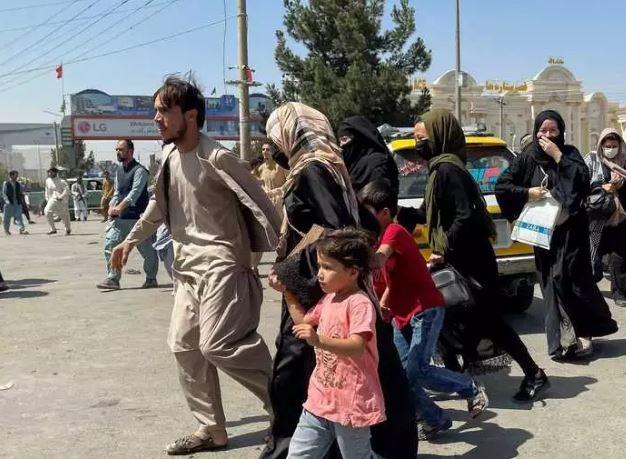 Afghanistan News : अफगानिस्तान से 20,000 शरणार्थियों को शरण देगा ब्रिटेन,उठाएगा ये बड़ा कदम