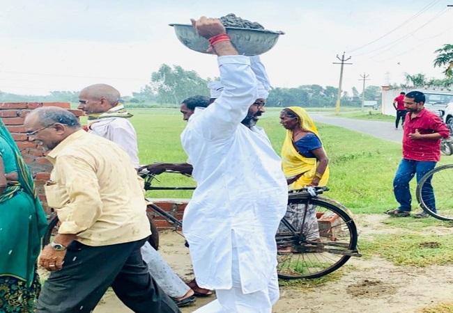 Ajay Kumar Lallu jeevan parichay : दिहाड़ी मजदूरी करने वाले अजय कुमार लल्लू पहले 'माननीय' फिर बने यूपी कांग्रेस मुखिया