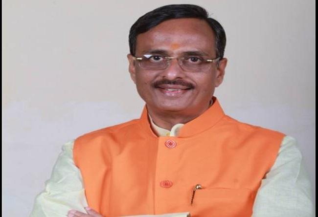UP Deputy Chief Minister Dr. Dinesh Sharma Jeevan Parichay : शिक्षा से लेकर राजनीति के फलक पर जानें कैसे चमके यूपी के उपमुख्यमंत्री डॉ. दिनेश शर्मा
