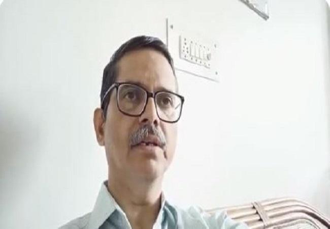 यूपी: पूर्व IPS अमिताभ ठाकुर और उनकी पत्नी पर दर्ज हुई एक और FIR, जानिए क्या है आरोप
