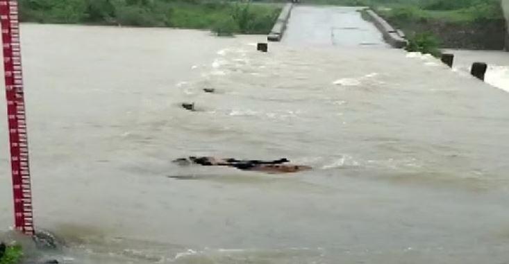 Rajasthan: भारी बारिश से कई जिलों में बाढ़ जैसे हालात, रेस्क्यू ऑपरेशन जारी