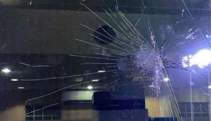 CPL 2021: इस धाकड़ क्रिकेटर ने जड़ा छक्का और टूट गया ड्रेसिंग रूम का शिशा