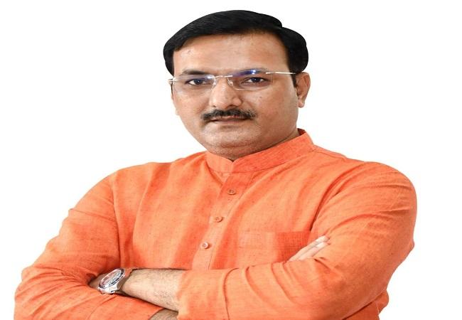 Satish Chandra Dwivedi jeevan parichay : सतीश चंद्र द्विवेदी विधानसभा अध्यक्ष को पटखनी देकर ऐसे बने योगी के खास