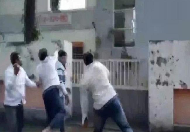 Narayan Rane: विवादित बयान पर घिरे नारायण राणे, नासिक में BJP दफ्तर पर पथराव