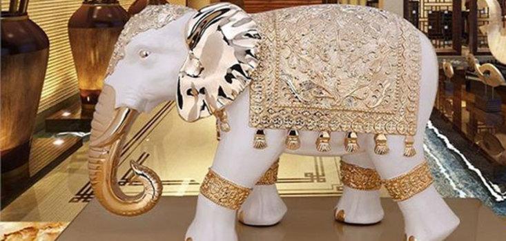 वास्तु टिप्स: दांपत्य जीवन में सुख के लिए घर में रखें हाथियों की मूर्ति