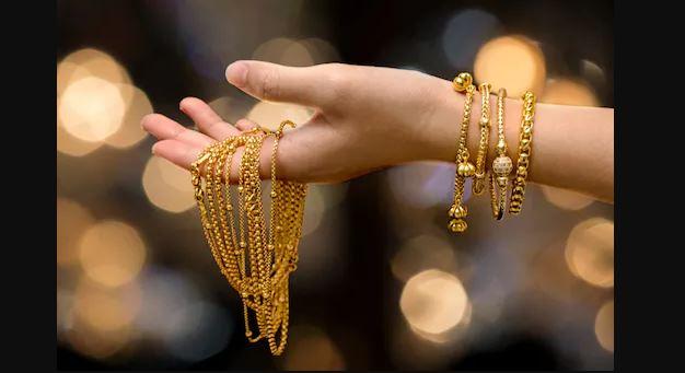 Gold Price Today : कीमती धातुओं में भारी गिरावट,Gold 8 हजार रुपये हुआ सस्ता, यहां चेक करें रेट्स