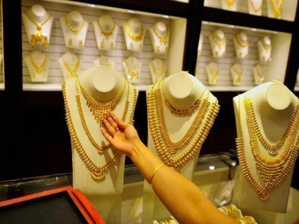 Gold Silver Price Today: सोना आज 46,400 रुपये प्रति 10 ग्राम, चांदी 62,200 रुपये प्रति किलो