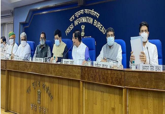 Government's counter-attack : विपक्ष मगरमच्छ के आंसू बहाने के बजाय पूरे देश से मांगे माफी