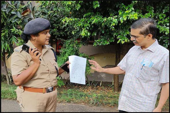 Amitabh Thakur बोले- एक अदने आदमी से योगी जी का इतना डर? यही हमारी जीत है