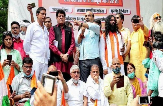 Controversial statement at Jantar Mantar: वकील अश्विनी उपाध्याय समेत पांच लोग हिरासत में, दिल्ली पुलिस कर रही पूछताछ
